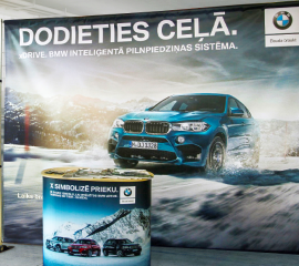 BMW foto seina ja pop-up tabelit